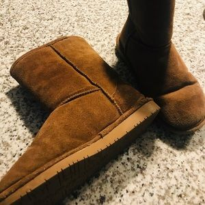 🍂❄️ FALL and WINTER essential. Bearpaw 🐾 boots!